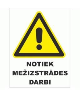 Plastikāta zīmes