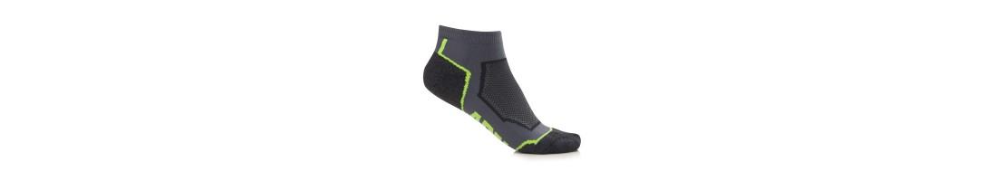 Носки, стельки, шнурки